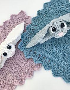 How to Crochet Cuffed Baby Booties - Crochet Ideas Crochet Baby Toys, Crochet Bunny, Cute Crochet, Baby Blanket Crochet, Crochet For Kids, Beautiful Crochet, Baby Knitting, Knit Crochet, Amigurumi Patterns