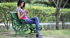 #HeyUnik  Di Desa Ini Handphone HARAM Bagi Para CEWE JOMBLO #Sosial #Teknologi #Unik #YangUnikEmangAsyik