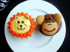 lion+Cupcakes+decor | ... cupcakes are more popular than lion ones. I guess Curious George