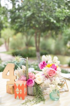 La Tavola Fine Linen Rental: Wavering Citrine | Photography: Amy And Jordan Photography, Event Planning: Outstanding Occasions, Floral Design: Petal Pusher, Venue: Omni Scottsdale Resort & Spa Montelucia,