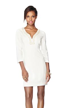 The Bennett Beaded Shift Dress is the perfect dress for your holiday parties this season. Dresses with beaded neckline details are timeless. We also appreciate party dresses with sleeves. Bennett has it all and then some. Size 6