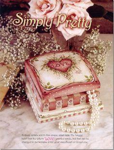 caixa romântica pintada em pintura country