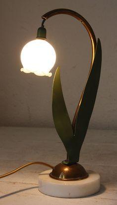 Lily of the Valley thrush French Art Deco Lamp Antique Lamps, Vintage Lamps, Vintage Art, Decoration Design, Art Deco Design, Brass Table Lamps, Desk Lamp, Art Deco Lighting, Home Lighting