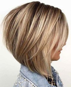 Graduated Bob Haircut bob hairstyles with layers Neue Bob-Frisuren mit Abschluss Graduated Bob Hairstyles, Cute Bob Hairstyles, Short Hairstyles For Thick Hair, Layered Bob Hairstyles, Short Bob Haircuts, Short Hair Cuts, Graduated Haircut, Short Graduated Bob, Hairstyle Ideas