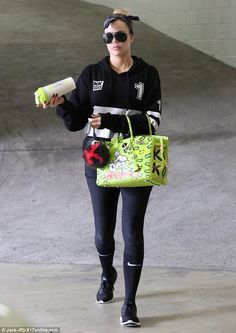 Khloe Kardashian wearing Hermes Candy Birkin Bag in Lime Hermes Birkin, Khloe Kardashian Style, Reality Tv Stars, Black Tights, Going To The Gym, Star Fashion, Fitness Fashion, Sport Outfits, Celebrity Style