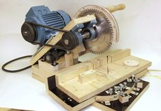 HOMEMADE MITER SAW ---> http://woodgears.ca/reader/pekka/mitersaw.html