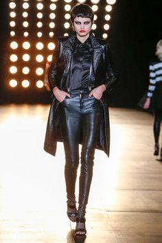 saint-laurent-rtw-fw15-runway-low-res-37 – Vogue
