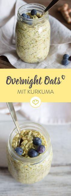 Die Geheimzutat dieses gesunden Sattmacher-Frühstücks heißt goldene Milch - ein ayurvedisches Getränk mit Mandelmilch und Kurkuma.