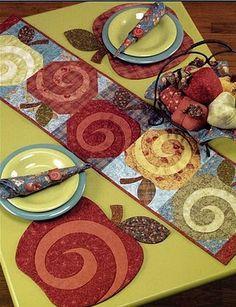 patchwork elma desenli masa ortusu ve tabak altligi modeli
