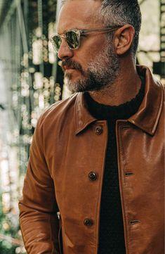 Milan Men's Street Style, Silver Hair Men, Older Mens Fashion, Black Men Beards, Short Beard, Poses For Men, Mature Men, Gentleman Style, Beard Styles