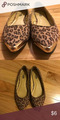 Cheetah flats Cheetah pattern with gold plated front tips; slightly scuffed at gold tip Charlotte Russe Shoes Flats & Loafers