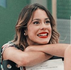 icons e packs Violetta And Leon, Violetta Live, Disney Channel, Disney Icons, Iconic Characters, Christina Aguilera, Disney Girls, Real Beauty, My Soulmate