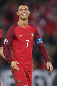 Cristiano Ronaldo Photos - Cristiano Ronaldo of Portugal reacts during the UEFA EURO 2016 Group F match between Portugal and Austria at Parc des Princes on June 2016 in Paris, France. - Portugal v Austria - Group F: UEFA Euro 2016 Cristiano Ronaldo Style, Cristiano Ronaldo Cr7, Uefa Euro 2016, Ronaldo Photos, Soccer Stars, Best Player, France Portugal, Champion, Sporty