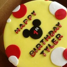 mickey mouse cake topped with buttercream - Google Search