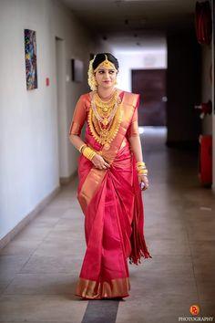 Indian Bridal Sarees, Wedding Silk Saree, Indian Bridal Outfits, Indian Beauty Saree, Marathi Wedding, Indian Wedding Bride, Silk Saree Kanchipuram, Organza Saree, Bridal Jewellery