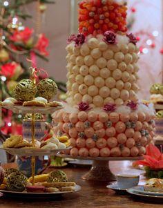 Grote kerstmarkt is 'Kerst op Keukenhof', een exclusief kerstevenement, en behoort inmiddels tot een van de grootste kerstmarkten van Nederland. En dit jaar Table Decorations, Food, Home Decor, Decoration Home, Room Decor, Essen, Meals, Home Interior Design, Yemek