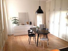 Myytävät asunnot, Kaskenkatu 11, Turku #oikotieasunnot #ruokailutila Decor, Furniture, Room, Dining, Home Decor, Office Desk, Dining Room, Desk