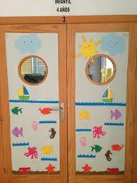 Decoracion de puertas con reyes magos buscar con google for Decoracion puerta aula infantil
