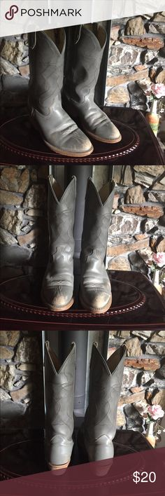 Acme made in America Cowboy Boots Acme made in America Cowboy boots. Lining and upper are man made materials. Broke in and ready to use. Acme Shoes Cowboy & Western Boots