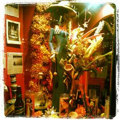 """See 233 photos and 66 tips from 2945 visitors to Under the Volcano. """"This place is super fun! The interior is awesome, there are plenty of tables. West University, University Place, Houston Bars, Houston Tx, H Town, Mojito, Places To Eat, Volcano, Restaurant Bar"""