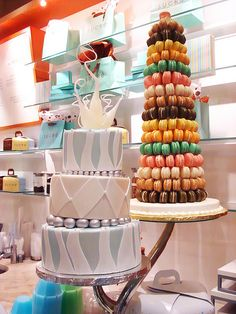 I wish I could have a macaron wedding cake <3