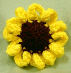 Loom Knit - Fun variation on a loom knit flower to make sunflowers or daisies.