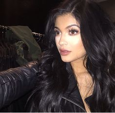 Kylie Jenner http://instagram.com/bombshelllooks