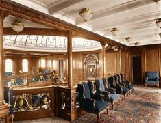 First-class entrance hall, at the top of the Grand Staircase. 16 Beautifully Colorized Photos Of The Titanic Rms Titanic, Bateau Titanic, Titanic Photos, Titanic Movie, Titanic Sinking, Titanic Wreck, Southampton, Belfast, Colorized Photos