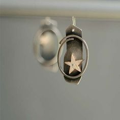 Star Earrings Silver/Wood by AnnaSlezakJewellery on Etsy, Minimal Jewelry, Simple Jewelry, Modern Jewelry, Jewelry Rings, Jewellery, Star Earrings, Silver Earrings, Geometric Jewelry, Silver Stars