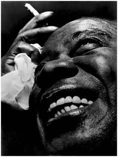 Louis Armstrong is quite simply the most important person in American music. He is to century music (I did not say jazz) what Einstein is to physics. Louis Armstrong, Musician Photography, Art Photography, Big Photo, Photo Art, Photo Portrait, Portrait Ideas, Jazz Musicians, Jazz Artists