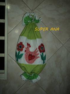 Puxa saco com aplicação em tecidos 100% algodão nacionais e importados. Cores e aplicações podem variar de acordo com o gosto do cliente.