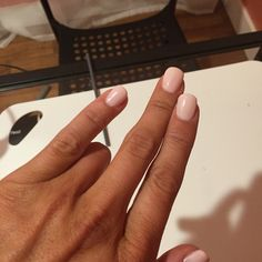 Pink gel nails by Emily Flaa