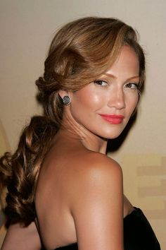 Gorgeous wedding hairdo - J.Lo - 30 of the Best Ponytails in History