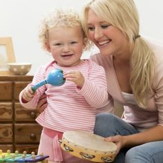 Jamming with toddlers trumps hitting the books - UQ News - The University of Queensland, Australia Emotional Development, Child Development, Shared Reading, Cool Science Experiments, Music And Movement, Music Activities, Gross Motor Skills, Music For Kids, Music Therapy