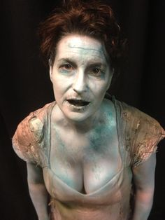 Drowned makeup- blue and grey colour effective- paled out lips and grey eye sockets. Could work for film although blue collaring is a little realistic looking. Ghost Makeup, Scary Makeup, Sfx Makeup, Costume Makeup, Funny Halloween Costumes, Halloween Cosplay, Halloween Makeup, Halloween 2015, Larp