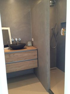 Design Immersion in a small bathroom, combined with StoneWal . Wet Room Bathroom, Bathroom Taps, Bathroom Windows, Bathroom Closet, Bathroom Storage, Small Bathroom, Bathroom Lighting, Bathroom Design Inspiration, Bathroom Interior Design