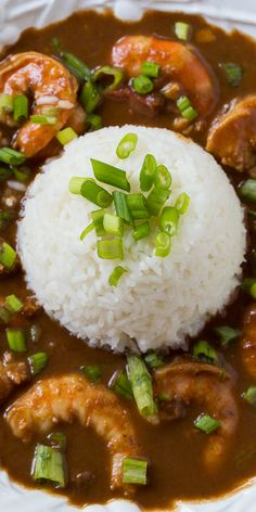 A rich Shrimp Etouffee with a dark and flavorful roux. Prawn Recipes, Cajun Recipes, Seafood Recipes, Cooking Recipes, Healthy Recipes, Etouffee Recipe, Shrimp Etouffee, Cajun Rice, Cajun Food