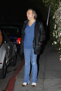 Dwight Yoakam Photos - Dwight Yoakam and Gavin Degraw Leave Chateau Marmont in West Hollywood - Zimbio