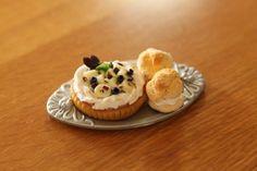 Miniature Cream Puffs and Chocolate Banana Whip Cream Tart