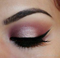 Image via We Heart It https://weheartit.com/entry/172359588 #eyebrows #eyelashes #eyeliner #eyes #eyeshadow #makeup #pink