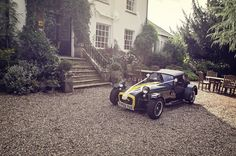 Super 7 wedding car by one thousand words wedding photographers in Dorset and Hampshire www.onethousandwords.co.uk