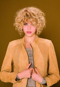 Carré-Schnitt mit Locken - Camille Albane - Haarschnitte: Trendfrisuren 2009 - gofeminin
