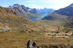 Wanderparadies!  #hiking #norway #travel #nature #wandern #enjoy #life Hiking Norway, Norway Travel, Lofoten, Mountains, Nature, Life, Hiking, Naturaleza, Nature Illustration
