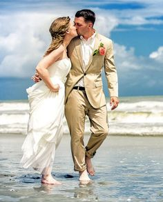 Summer Beach Wedding Dresses, Beach Wedding Photos, Beach Wedding Photo Shoot www.dreamyweddingideas.com