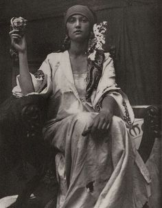 Alphonse Mucha, world renowned for his Art Nouveau graphics, used photographs of models for much of his reference material. But sometimes the photographs themselves were beautiful and had that Mucha look about them—such as this inspirational 1919 image he Alphonse Mucha, Gypsy Life, Gypsy Soul, Ansel Adams, Art Nouveau Pintura, Vintage Gypsy, Vintage Beauty, Vintage Black, Vintage Art