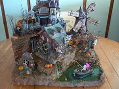 photo Halloween Village Display, Homemade Christmas Decorations, Christmas Ideas, Etsy Christmas, Halloween Accessories, Christmas Villages, Signs, Fall Halloween, Platform