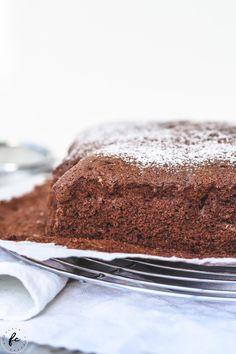 Rezept für einen Kakaokuchen meiner Oma Wiener Schnitzel, Tiramisu, Deserts, Sweets, Ethnic Recipes, Food, Cakes, Fitness, Chocolate Cakes