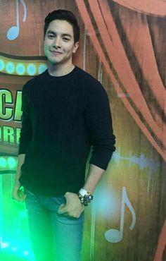 Alden Richards :D Maine Mendoza, Alden Richards, Tv Awards, Someone Like You, Dimples, Actors, Celebrities, Bae, Philippines