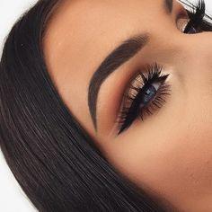 60 Cool And Trendy Smoking Eye Makeup Designs Page 58 of 60 Eye makeup Makeup Goals, Makeup Inspo, Makeup Art, Beauty Makeup, Face Makeup, Makeup Ideas, Makeup Drawing, Makeup Tips, Formal Makeup