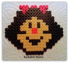 Mafalda en hama beads midi. Te hago el que quieras, sígueme en fb.